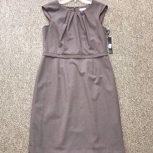 Tahari Taupe Rouched Taupe Sheath Dress X2